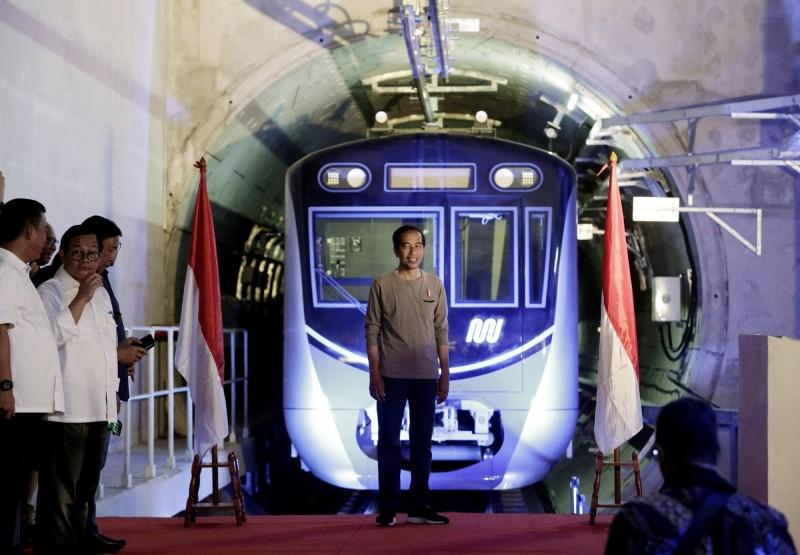 印尼期待已久的第一條地鐵今(24)日在首都雅加達開通。(歐新社)