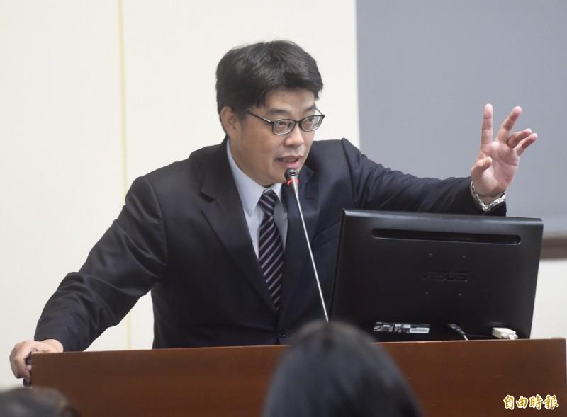 立法院經濟委員會25日邀請大陸委員會副主任委員邱垂正報告並備詢。(記者簡榮豐攝)