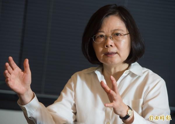 蔡英文向韓國瑜喊話,請他向對方說「中華民國台灣是一個主權獨立的國家」。(資料照)