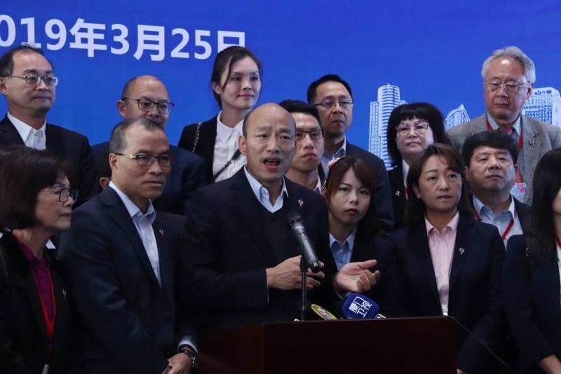 高雄市長韓國瑜25日下午在深圳會晤中國國台辦主任劉結一。韓國瑜中午在會前強調,會晤只是情感交流。(中央社)