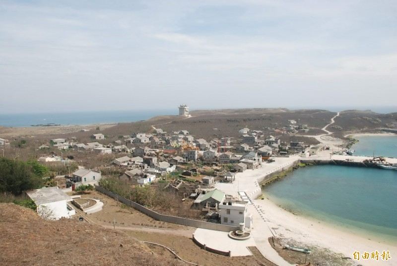 望安鄉公所建議台電接管離島發電 賴峰偉允諾協助