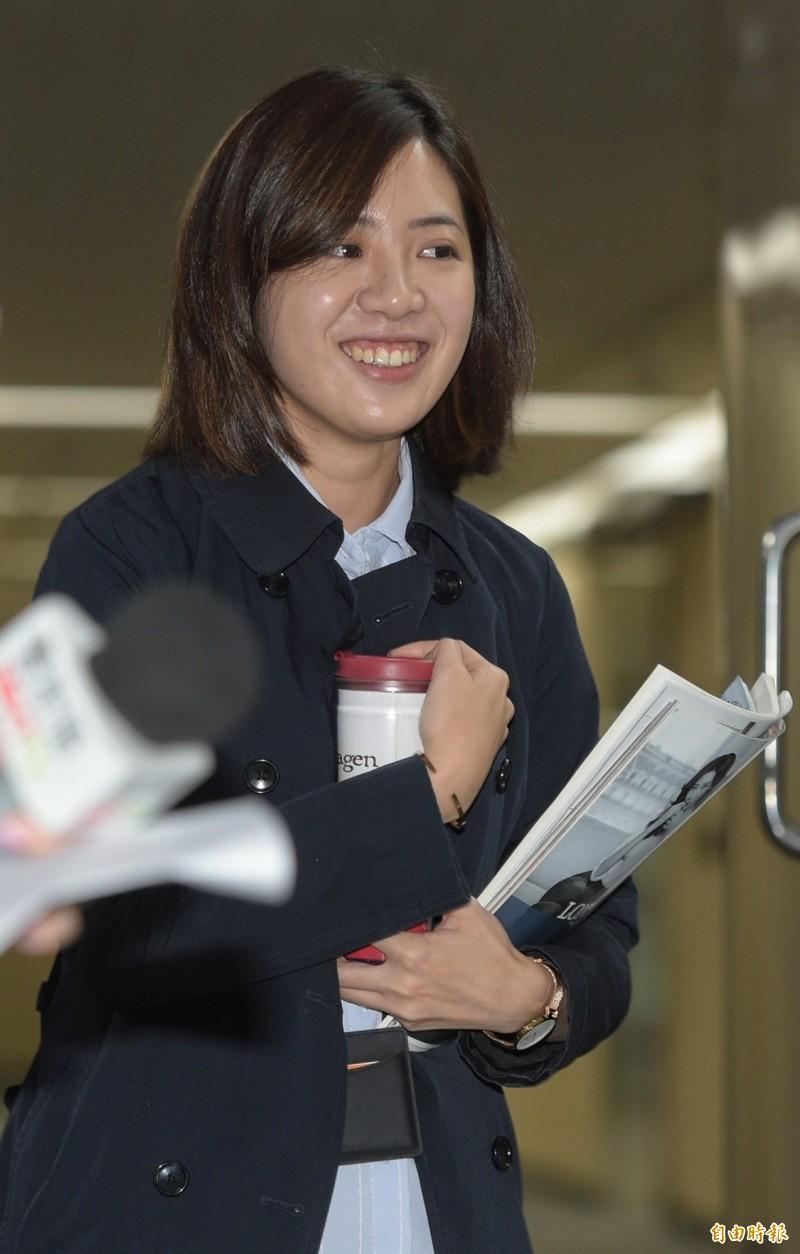 我實在不知道統一跟獨立,每兩年都在台灣會出現一次,到底在吵什麼?呂秋遠則回應,每一次的選擇,不會讓自己「立刻」活不下去,但是每一次選擇的總和,卻可以造就未來的統一或獨立。(資料照,記者張嘉明攝)