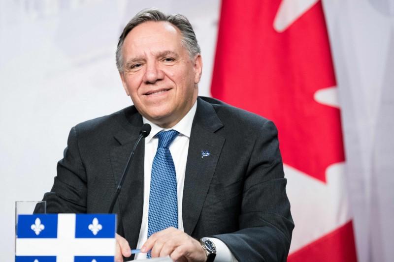 加拿大魁北克省議會28日將《第21號法案》排入立法議程,該法案內容為禁止公職人員在工作時穿戴具有宗教意義的服飾,魁北克省省長勒格(見圖)回應時說,法案並未指涉任何群體,並聲稱這是魁北克朝向更世俗化社會發展的重要價值觀。(法新社)