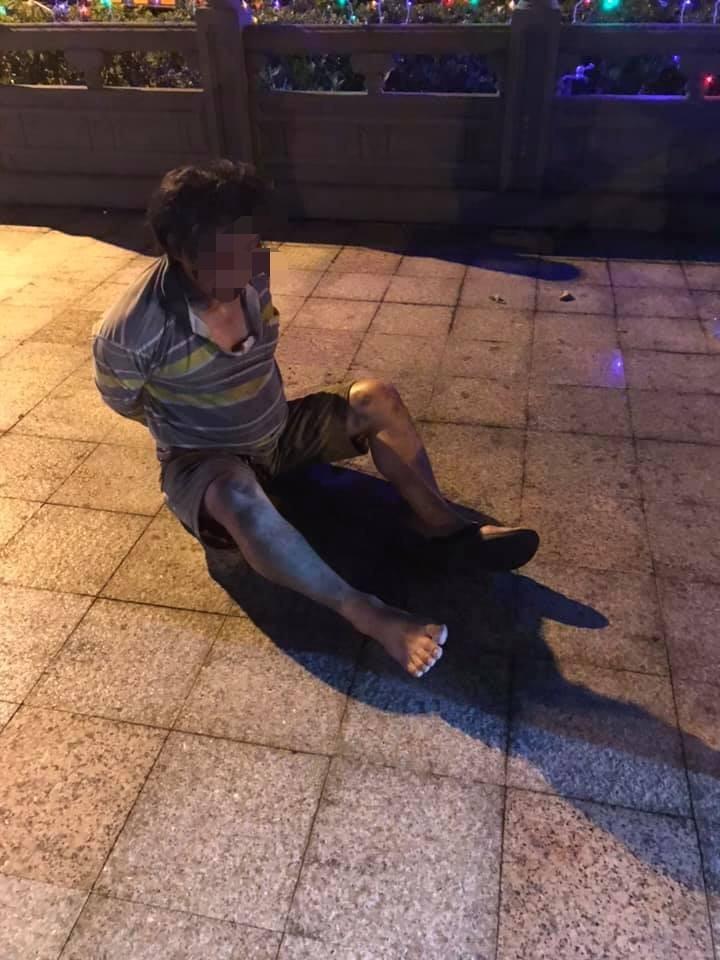 涉嫌砸車襲警的黃姓男子。(圖擷取自宜蘭大小事)
