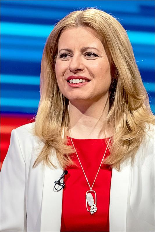 四十五歲的親歐反貪環保律師卡普托娃,三月三十日在斯洛伐克總統大選中,以壓倒性的逾五十八%得票率擊敗執政黨候選人、歐盟執委會副主席塞夫柯維奇,成為斯國首位女總統。(歐新社)