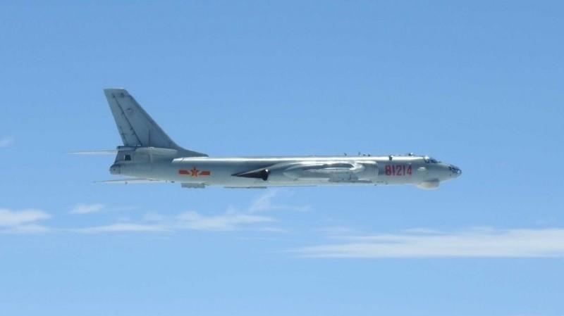 日本軍機今天拍攝到的共軍轟6K轟炸機。(圖:取自日本防衛省網站)