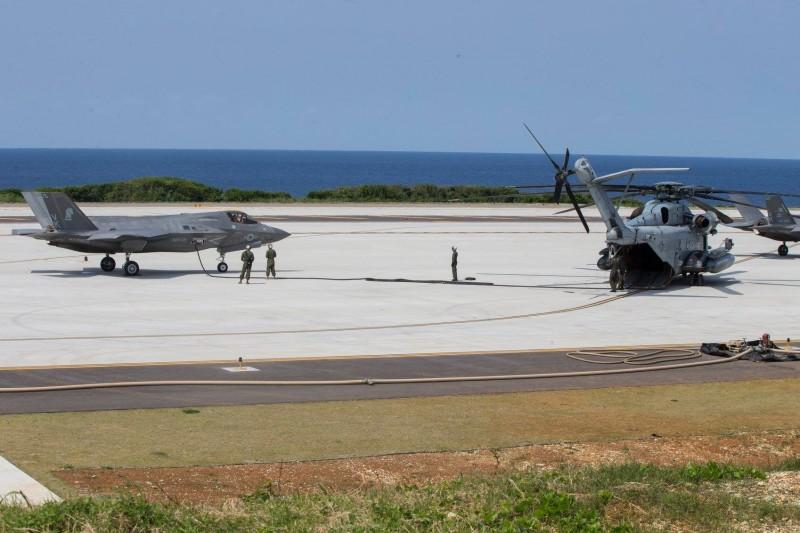 美日聯合軍演在沖繩縣的伊江島演練新型的奪島戰術。(圖擷取自臉書31st Marine Expeditionary Unit)