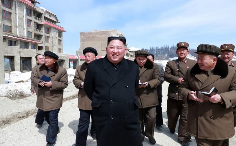 北韓領導人金正恩視察北韓革命聖地三池淵郡,南韓媒體認為,這可能預示金正恩即將下重大決心。(法新社)