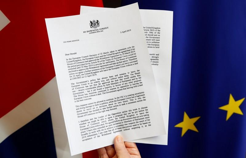 今日英國首相梅伊寄信要求,希望脫歐日可以延至今年6月30日。圖為英國首相梅伊寄予歐洲理事會主席圖斯克的信件。(路透)