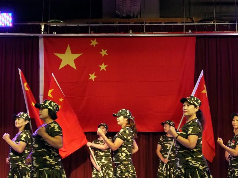 2020總統大選將屆,中國開始積極佈局,招攬台灣在地網軍,近日不僅在徵才網站公開徵求「政黨小編」,更有不少粉專收到來自不明人士的收購訊息。(法新社)