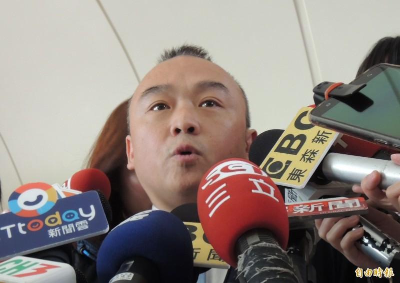 高雄市觀光局長潘恆旭的「封口令」在清明節解禁後,再度耐不住寂寞,今天受訪時又化身韓國瑜「競選總部」發言人,說韓國瑜最快4月下旬決定是否選總統。(資料照)