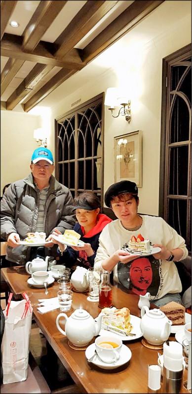 日本的飲食與文化和台灣相近,這也是許富凱選擇帶爸媽到京都旅行的原因。(圖片提供/時代創藝)