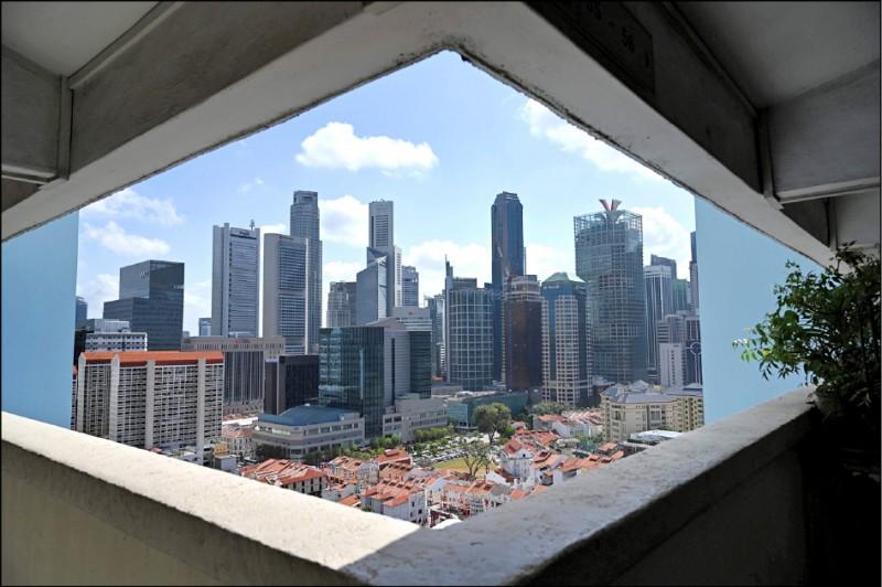 新加坡政府擬再提撥3億星幣,鼓勵數位化創新。圖為新加坡一景。(法新社檔案照)