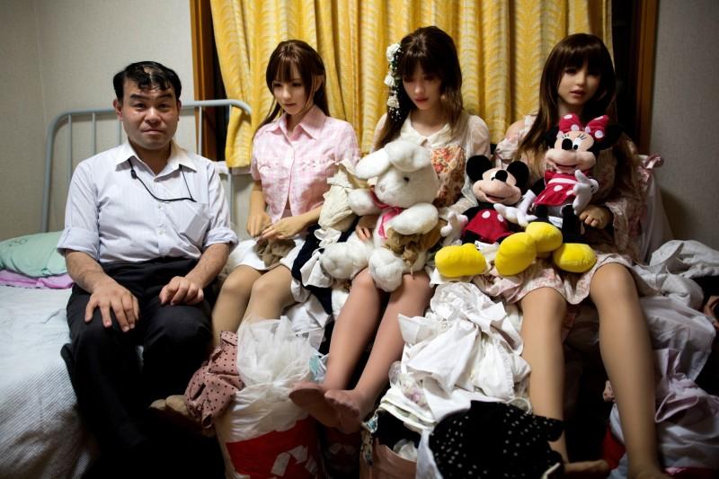 日本研究指出,30多歲的日本人中,有10%的人仍保持童子之身,而且與低收入者有高度重疊。(法新社資料照)