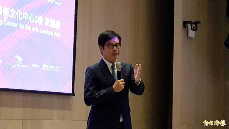 韓國瑜選總統換陳其邁選市長?陳其邁以「不會呷碗內、看碗外」表示立場。 (記者陳文嬋攝)