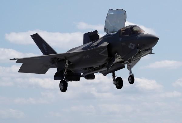 一架F-35A戰機在日本時間今晚7時27分左右,突然從雷達上失去蹤跡。圖為F-35A示意圖。(路透)