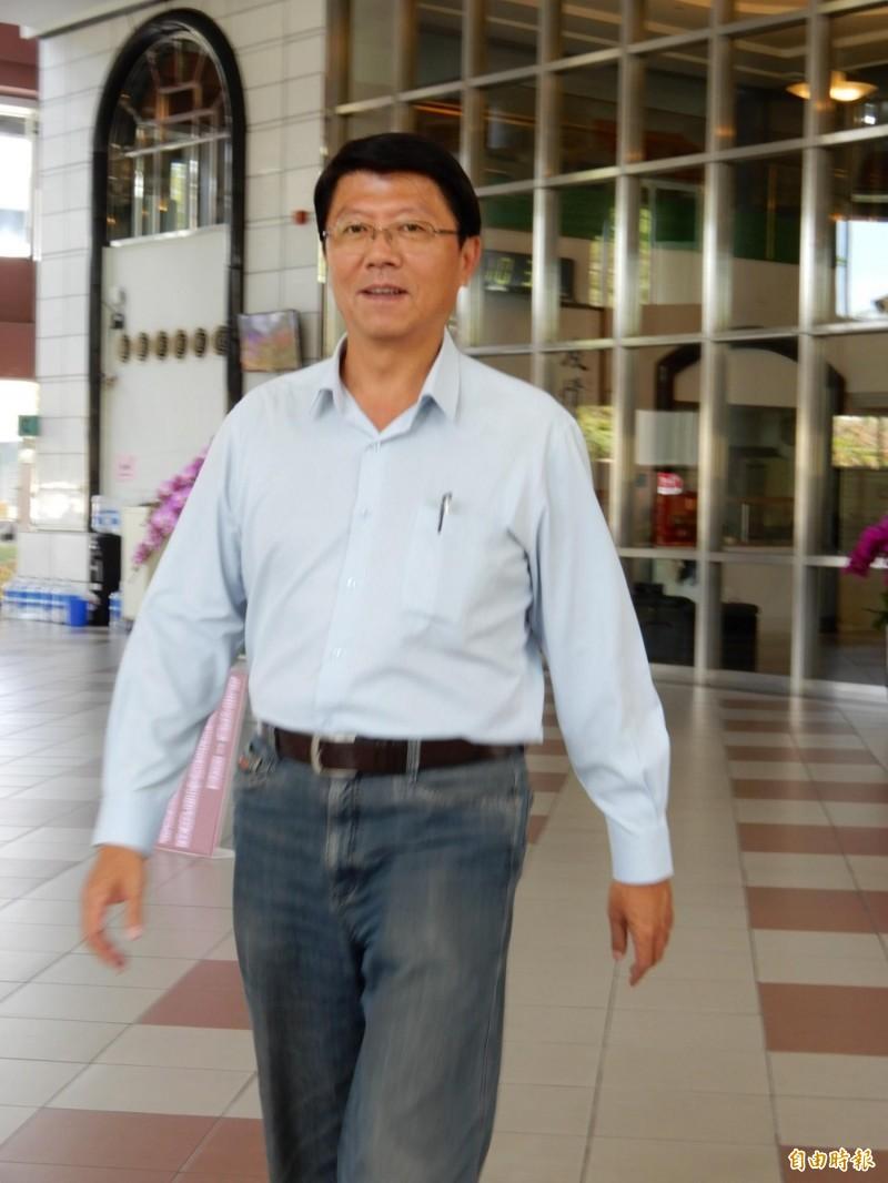 謝龍介表示,連署徵召韓國瑜選總統,現在這當下,徵召韓國瑜對他並沒有幫助。(記者蔡文居攝)