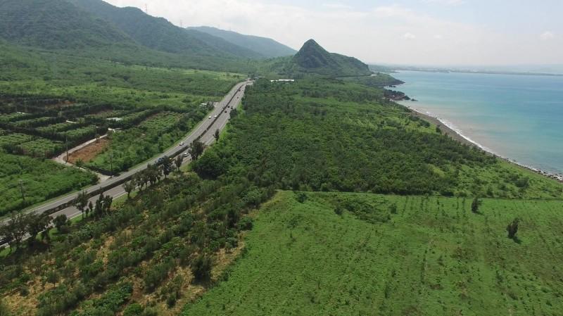 恆春半島剷除銀合歡有成,恢復500多公頃「淨土」。(記者蔡宗憲翻攝)