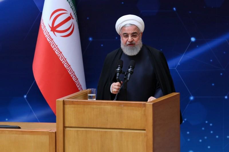 伊朗總統魯哈尼(Hassan Rouhani)9日宣布在位於伊朗中部的納坦茲濃縮設施中,安裝了20台的IR-6型離心機。(路透)