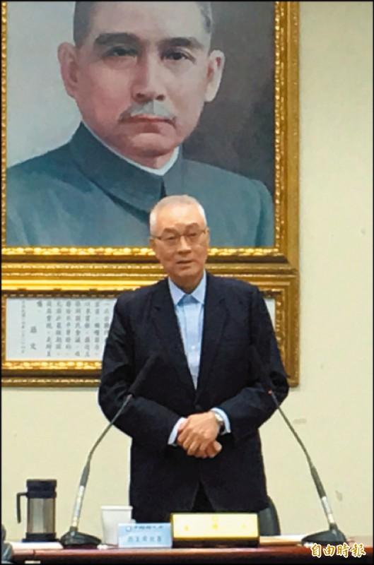 不論是主動還是被動,吳敦義被迫選擇當「造王者」,就是避開韓國瑜的鋒芒和「韓流」莫須有的壓力。(記者林良昇攝)