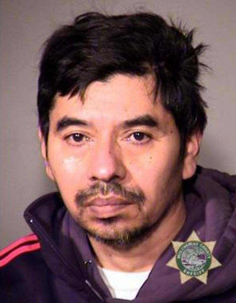 52歲的羅培茲(見圖)去年11月性侵未婚妻的愛犬。(圖擷取自MCSO官網)
