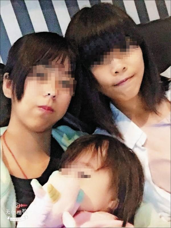 未滿18歲的牛奶媽(圖左)與共犯不讓女童夜間睡覺、吃飯, 還帶著女童屍體衝夜唱,其餘共犯卻主張沒有殺人犯意。(記者王捷翻攝)