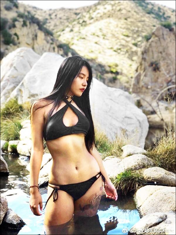 25歲中國裔女子高天才。(取自天才Lunatic的微博)