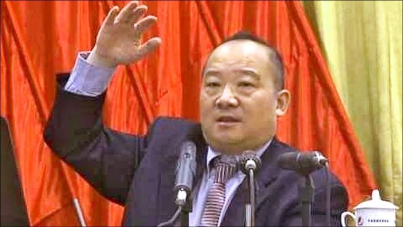 鼓吹武統台灣的中國學者李毅來台,移民署限期今天凌晨零點前出境。(記者張瑞楨翻攝)