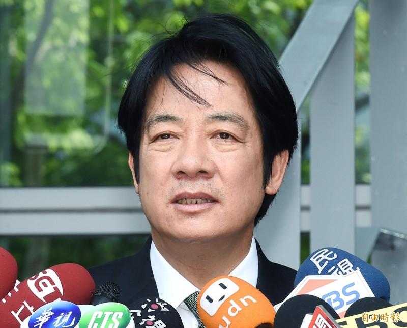 前行政院長賴清德今天在臉書貼出1日的網路媒體直播影片指出,他跟韓國瑜理念主張不同,但兩人都在台灣生長、都當過市長、立委,有很多相同的地方。(資料照)