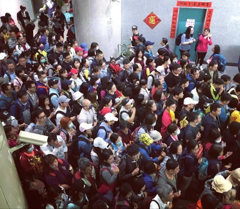 台鐵員林站預估今天上下車人數超過4萬人。(台鐵提供)