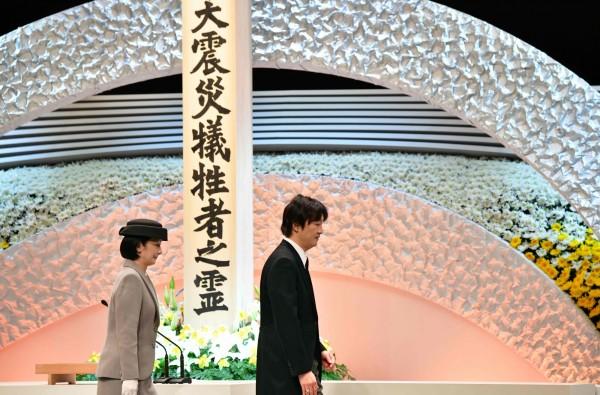 日本九州熊本縣政府今(14)日舉行熊本大地震3週年追悼儀式,熊本縣知事蒲島郁夫表示,目前仍有近1萬7000人住在臨時住宅中。(資料照)