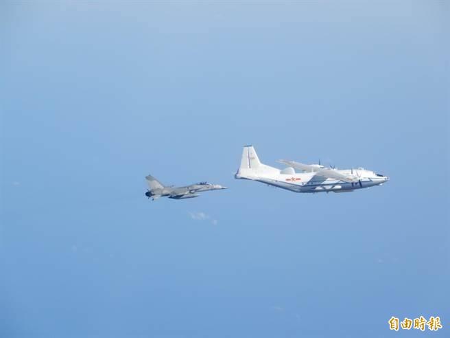 圖為國防部過去公布的我國軍機監偵共機照片,示意圖。(資料照)