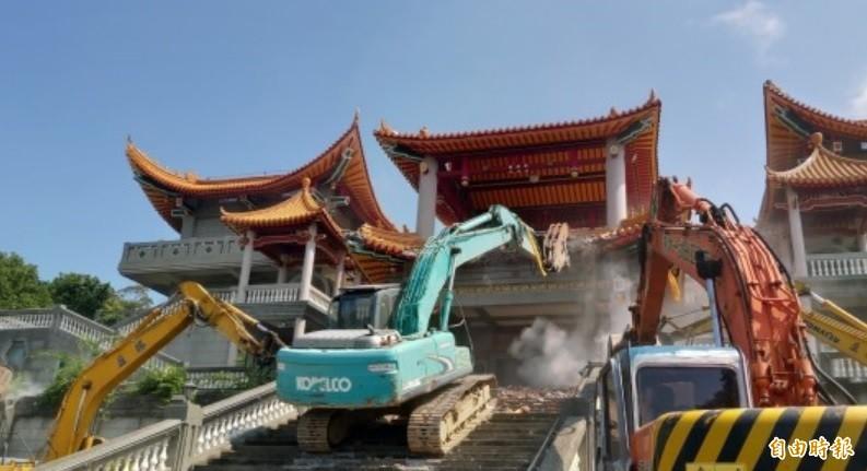 彰化「五星共產寺」大違建已拆除。(資料照)