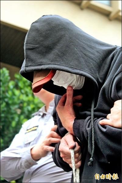 當庭獲知19歲兒猝死 永和分屍案兇嫌何傑生掩面哭泣
