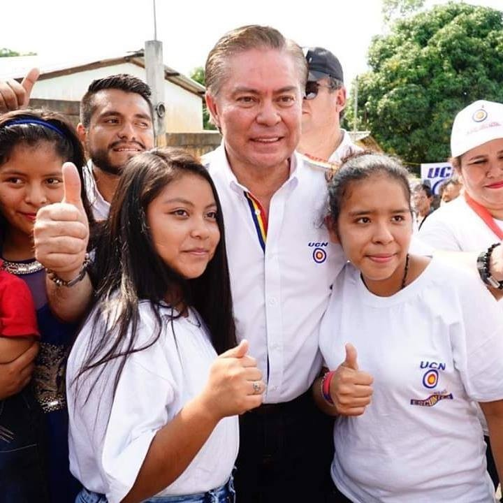 瓜地馬拉總統候選人艾斯查達(圖中)昨(17)日在美國邁阿密遭警方逮捕。(圖擷取自臉書)