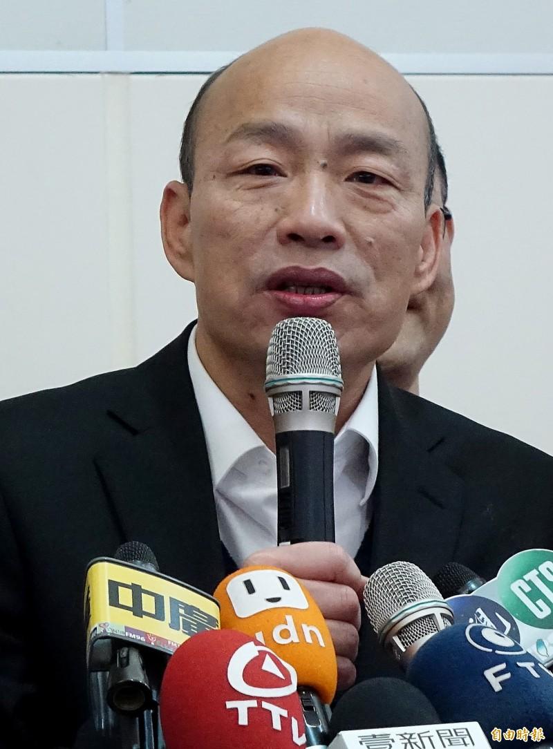 高雄市長韓國瑜結束訪美行程,18日清晨與搭機返抵桃園機場。(記者朱沛雄攝)