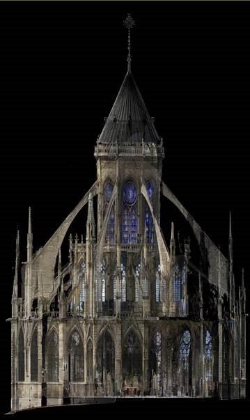由於聖母院歷經將近700年的不斷整修,使得這棟建築本身的建築歷程十分錯綜複雜。(法新社)