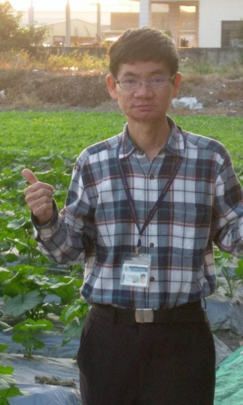 員林市公所文化觀光課前課長詹錫芬是員林蜀葵花田重要推手,享年55歲。(記者陳冠備翻攝)