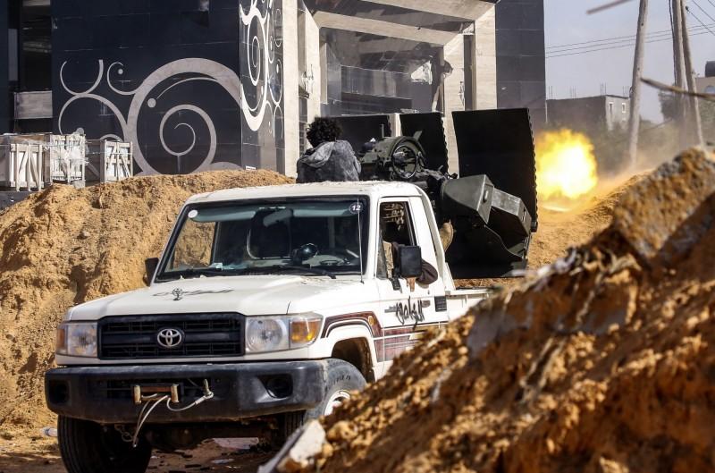 川普與利比亞反抗軍領袖通電話 讚揚對方「打擊恐怖主義」