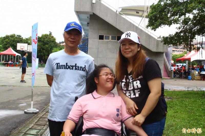 身障生樂觀面對人生 董芷妤:盡力做就對了