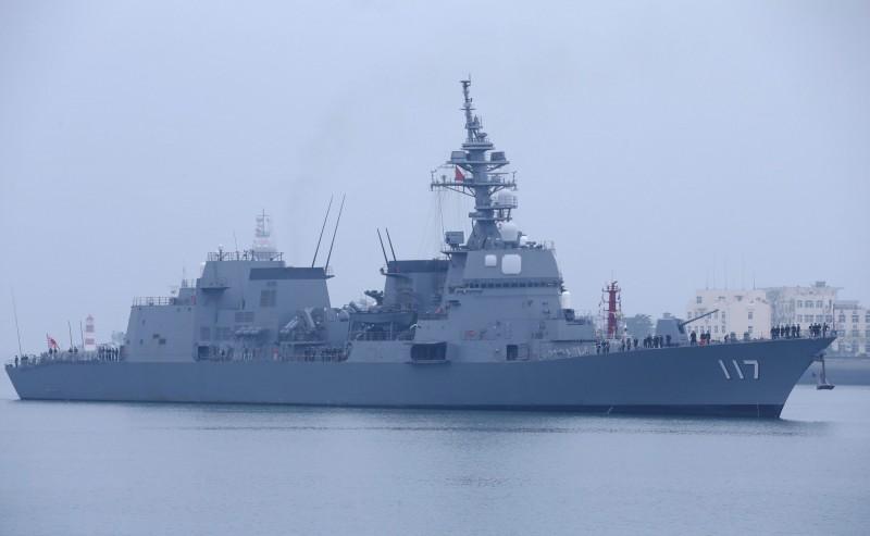 日本派出護衛艦「涼月」前往參加青島閱艦式。(路透)
