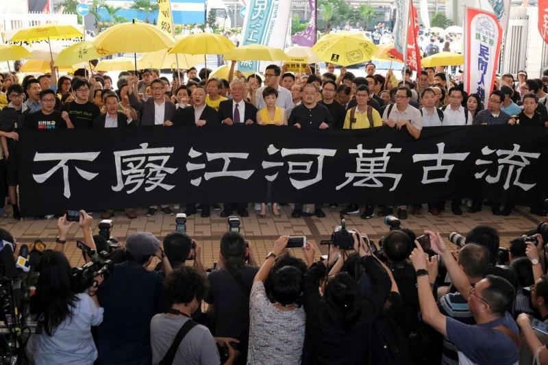 香港佔中九子昨遭判刑。(路透)