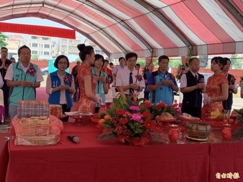 南屯區非營利幼兒園舉行動土典禮。(記者黃鐘山攝)