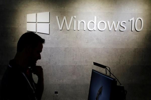 微軟資訊網站指出,今年5月微軟將推出Win 10的1905版本,此版本若偵測到電腦正在使用任何「外接儲存裝置」,將會封鎖更新作業。(路透)