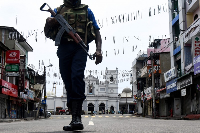斯里蘭卡警方安全局警告,恐怖分子可能身穿軍服發動新攻擊。(法新社)