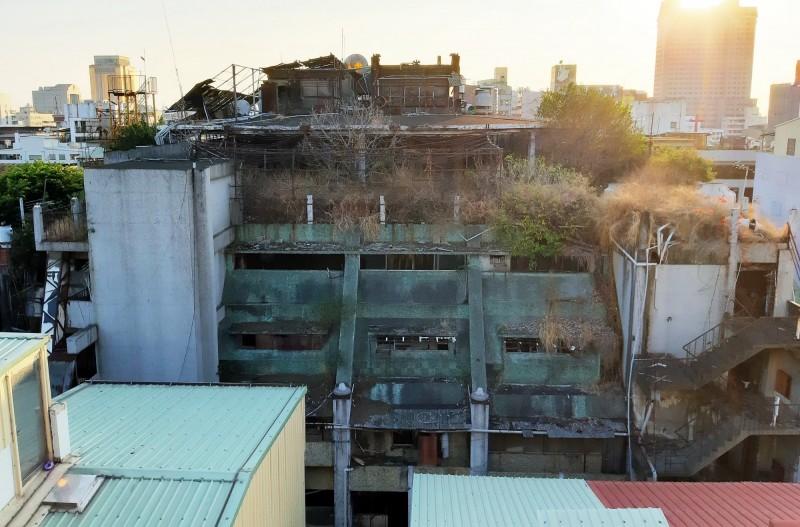 台中市政府放寬老舊建築物重建規定,推動老舊社區加速翻新。(台中市政府都發局提供)