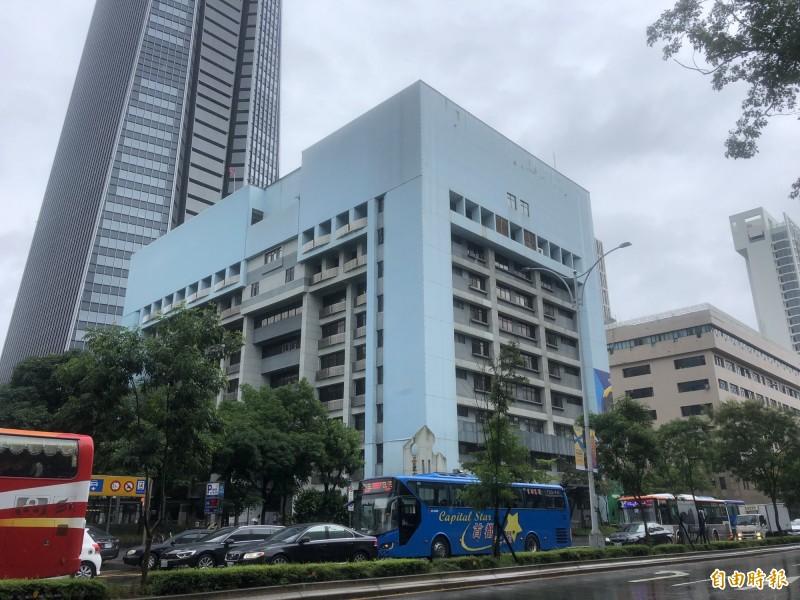信義區行政中心設定地上權50年招標,全案送至台北市議會審議,財政局初估權利金約85億元。(記者郭安家攝)