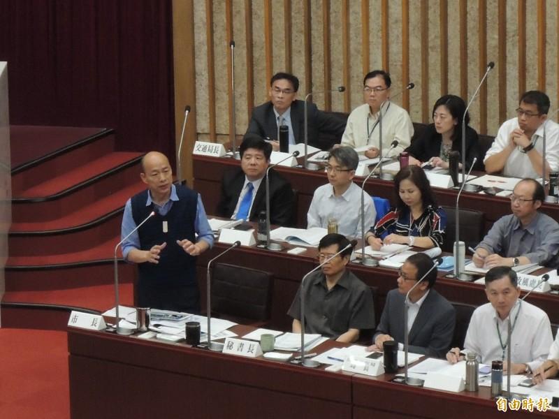 高雄市長韓國瑜強調,對輕軌建設審慎樂觀,下半年會有具體方案。(記者王榮祥攝)
