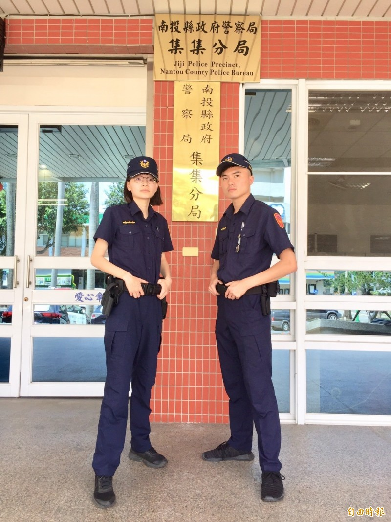 全國警察已全面換穿新制服,並於五月改穿夏季短袖上衣。(記者劉濱銓攝)
