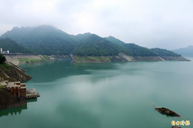 曾文水庫自4月30日迄今,集水區累積降雨量約36.4毫米,進水量可達220萬噸,對水情不無小補。(記者萬于甄攝)